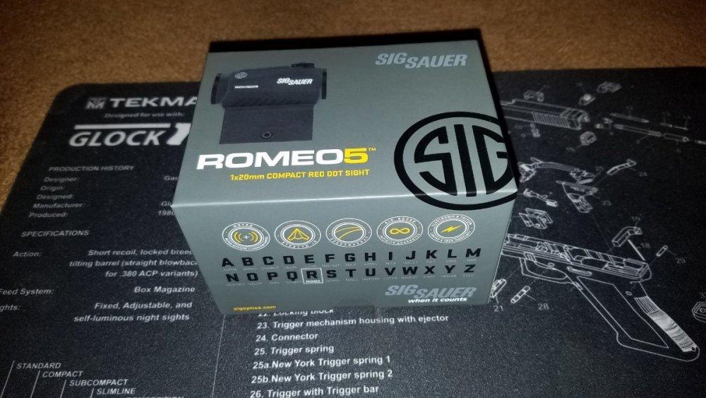 Box_01.thumb.jpg.e05bc41498ff1aa6b5c35fd32ecb6b87.jpg